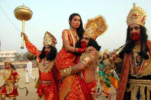 dussehra festival essay in english Dussehra, a major hindu festival celebrated every year in india in the month of september or october when is & how many days until dussehra in 2018.